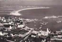 LA FRANCE VUE DU CIEL  3  LESCONIL (Finistère)   Le Port Et La Place Des Sables Blancs - Lesconil