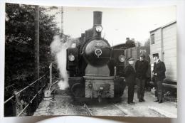 Photo Loco 105 En GP ,Chef De Gare à Chamby Cliché Schnabel - Gares - Avec Trains