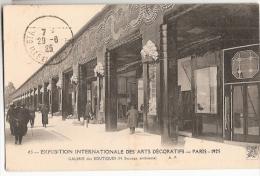 CPA 75 PARIS Exposition Internationale Des Arts Décoratifs 1925 Galerie Des Boutiques Architecture Art Déco - Expositions