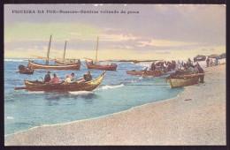FIGUEIRA DA FOZ / BUARCOS  Bateiras Voltando Da Pesca C/Pescadores. Old Postcard (Coimbra) PORTUGAL - Coimbra