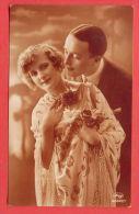 137162 / FLOWERS , COUPLE Woman Femme Frau & Man Homme Mann - AMAG 63647/1 - Couples