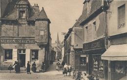 BRETAGNE - 22 - COTES D'ARMOR - COTES DU NORD  - PAINPOL - Maison à Tourelle Et Rue De L'église - Paimpol