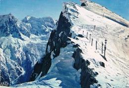CHAMONIX - MONT-BLANC - Le BREVENT (sommet Des Pistes De Ski) Et Le Mont Blanc - Circulée En 1975, 2 Scans - Chamonix-Mont-Blanc