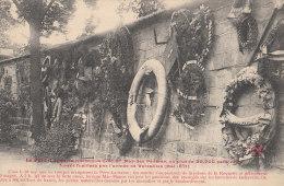 PARIS XX° Le PERE LACHAISE Historique  FF N° 99  Pas Sur Delcampe MUR Des FEDERES Fusillés En 1871 La COMMUNE - District 20