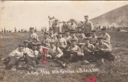 Photocarte Allemande- Soldats Allemands Repas Couteau -6.Korp. 5/138 Beim Abkochen In Bitsch.1911 (guerre14-18) - War 1914-18