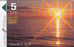 Latvia, D-015, 5 Ls, The Baltic Sea, Sunset, 2 Scans. - Latvia
