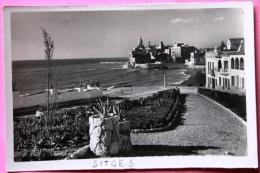Sitges - Playa San Sebastian, Jardines - Spain