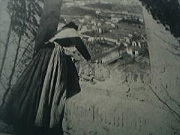 Magazine Item - 1930 A Glimpse Of Granada - 1950-Hoy