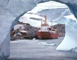 (619) Antarctica - USA Palmer Station + Supply Ship Polar Star - Ansichtskarten