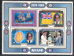 2609 Flags Ships Carte Royals 1984 Niue S/s MNH ** - Ships
