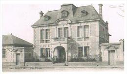 CPA : Courcy (Marne) - La Mairie - Animée - 1927 - - France