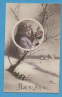 Bonne Année Petite Fille   Avec  Fleurs Dans Un Médaillon - Neujahr