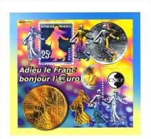 Bloc CNEP N° 35 : Adieu Le Franc , Bonjour L´euro . Voir Le Scan . Cote Maury : 13 € . - CNEP