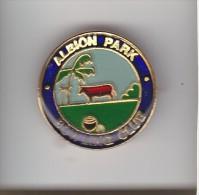 AUSTRALIA NEW SOUTH WALES : ALBION PARK BOWLING CLUB  Lapel Badge:  Metal + Plastic Coated  Print - Bowls - Pétanque