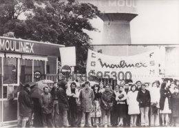 PHOTO DE PRESSE - ALENCON 61 ORNE - MOULINEX EN GREVE - USINE - Places