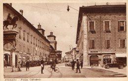 [DC7357] FERRARA - PIAZZA CATTEDRALE - Old Postcard - Ferrara