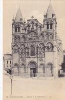 Facade De La Cathedrale Angouleme France - Kirchen U. Kathedralen
