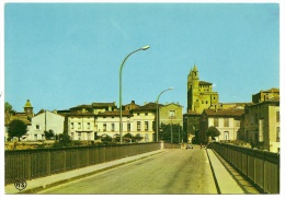 RABASTENS Le Pont Sur Le Tarn Et L'Eglise (APA Poux) Tarn (81) - Rabastens