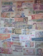 Lot De Billets Circulés - Divers Continents -  ** + De 120 Billets **  Peu De Doubles- Quelques Neufs (peu) - Petit Prix - Banknotes