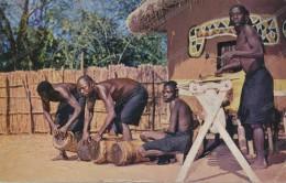 AFRICA,ZAMBIA,CRAFTS VILLAGE LIVINSTONE ,old Photo Postcard - Zambia