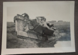 WW2 Original Photo - GERMAN ARMY CARRO ARMATO SOVIETICO DISTRUTTO Formato 9,5 X 6,5 Cm) - Weltkrieg 1939-45