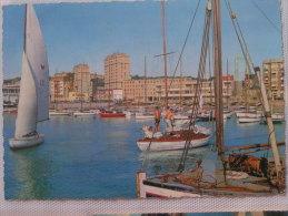 LE HAVRE LE PETIT PORT AUX YACHTS - Port