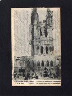 44362    Belgio,    Ypres -  Le  Beffroi  Des  Halles  Apres  Le  Bombardament -  Guerre  1914-15,  NV(scritta) - Ieper
