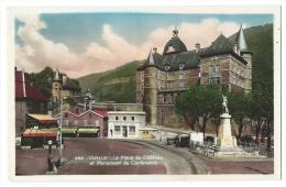 VIZILLE (Isère) - Place Du Château Et Le Monument Du Centenaire - Animée - Bars, Banque, Pompe à Essence Esso - CPSM - Vizille