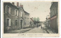 CPA -SANCOINS -GENDARMERIE ET ROUTE DE BOURGES -Cher (18) -Circulé -Animée, Charette... - Sancoins