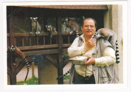 Lémuriens De Madagascar - Les Makis En Présence Du Vicomte Paul De La Panouse Créateur Du Zoo Au Chateau De Thoiry - Other