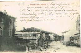 MEURTHE ET MOSELLE 54.BERNECOURT LA PLACE DE LA  FONTAINE ET LE CLOCHER - Andere Gemeenten