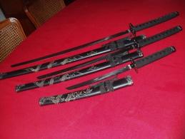 3 KATANAS DE LONGUEUR DIFFERENTES Avec Fourreau  (REPRODUCTION) Lame Marquee 440 Stainleess - Knives/Swords