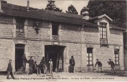 SAINT-BON (Haute-Marne) Ecole Pratique D'Agriculture-Cour Ecole-Elèves En Récréation-Partie De QUILLES-SPORT-JEUX-2 SCAN - Autres Communes