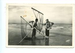 Le Littoral Nord (59 - 62 - 80) Pêcheurs De Crevettes (métiers) N°1 Gaby Artaud Noir Blanc Dentelée - Fishing