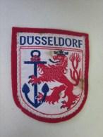 Abzeichenemblem Stoff Düsseldorf écusson En Tissu Düsseldorf  Allemagne Deutschland - Stoffabzeichen