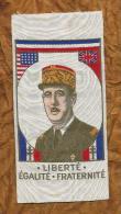 SOIE TISSEE  GENERAL DE GAULLE CROIX LORRAINE  JOURNEE TIMBRE  1944 Ww2 SAINT ETIENNE LOIRE - Blazoenen (textiel)