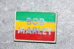 """Broche Ancienne Années 70 Pin´s épinglette """"Bob Marley"""" Made In England - Music - Celebrities"""