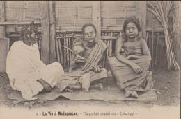 "CPA:Madagascar:Malgaches Jouant Du ""Lokangy"" - Madagascar"