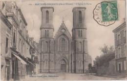 MARTIGNE  -  FERCHAUD  ( Ille Et Vilaine )  -  L´Eglise  St  Pierre. ( Pompe Fontaine Devant L´église ). - Frankreich