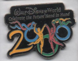 Superbe Pin´s En EGF , Disney , Walt Disney 2000 - Disney