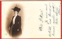 Superbe Silhouette De Femme Et Habits D´époque. Oblit. 30.XII.1904 - Silhouettes