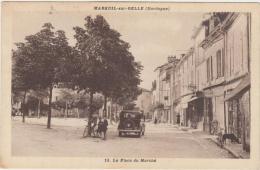 24-MAREUIL-SUR-BELLE-La Place Du Marché 1937 Animé Voitures, Commerces... - Sonstige Gemeinden