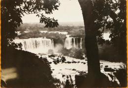 Les Chutes De L'Iguassu - Carte Non Circulée Dédicacée Par Le Photographe A. Robillard - Brésil