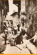Népal - Patan  Le Pilage Du Millet - Photo A. Robillard Dédicacée Par L'auteur - Carte Non Circulée - Asie