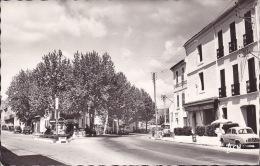 CPSM - 83 - LE BEAUSSET - Carrefour Et Boulevard Chanzy - Le Beausset
