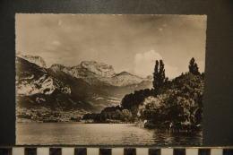 CP, 74, Annecy Le Lac Et Le Massif De La Tournette N°1312 Edition GIL Annecy - Annecy