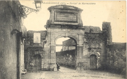 CARTE POSTALE    SAINTE     RADEGONDE  PORTAIL DES MARMOUTIERS - Francia
