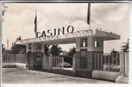 CHATELAILLON PLAGE 17 - L'entrée Du Casino - CPSM Dentelée Format CPA - Charente Maritime - Châtelaillon-Plage