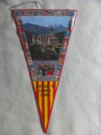 Banderín De Santuario De Lourdes La Nou De Bergueda. Barcelona. Cataluña. España. Años ´60-´70. - Scudetti In Tela