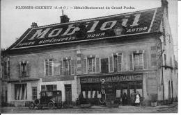 91 PLESSIS CHENET  HOTEL RESTAURANT DU GRAND PACHA  PATRONS ET EMPLOYES  PUBLICITE MOBILOIL SUR LE TOIT VOITURE ANCIENNE - Sonstige Gemeinden